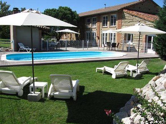Où partir en France cet été piscine