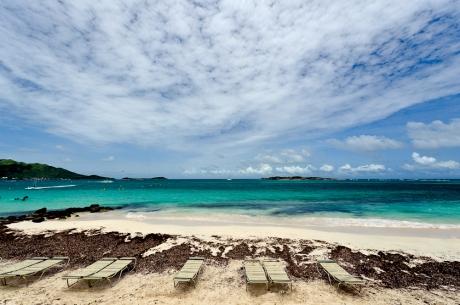 Orient Beach, St. Martin.  les Caraïbes à petits prix