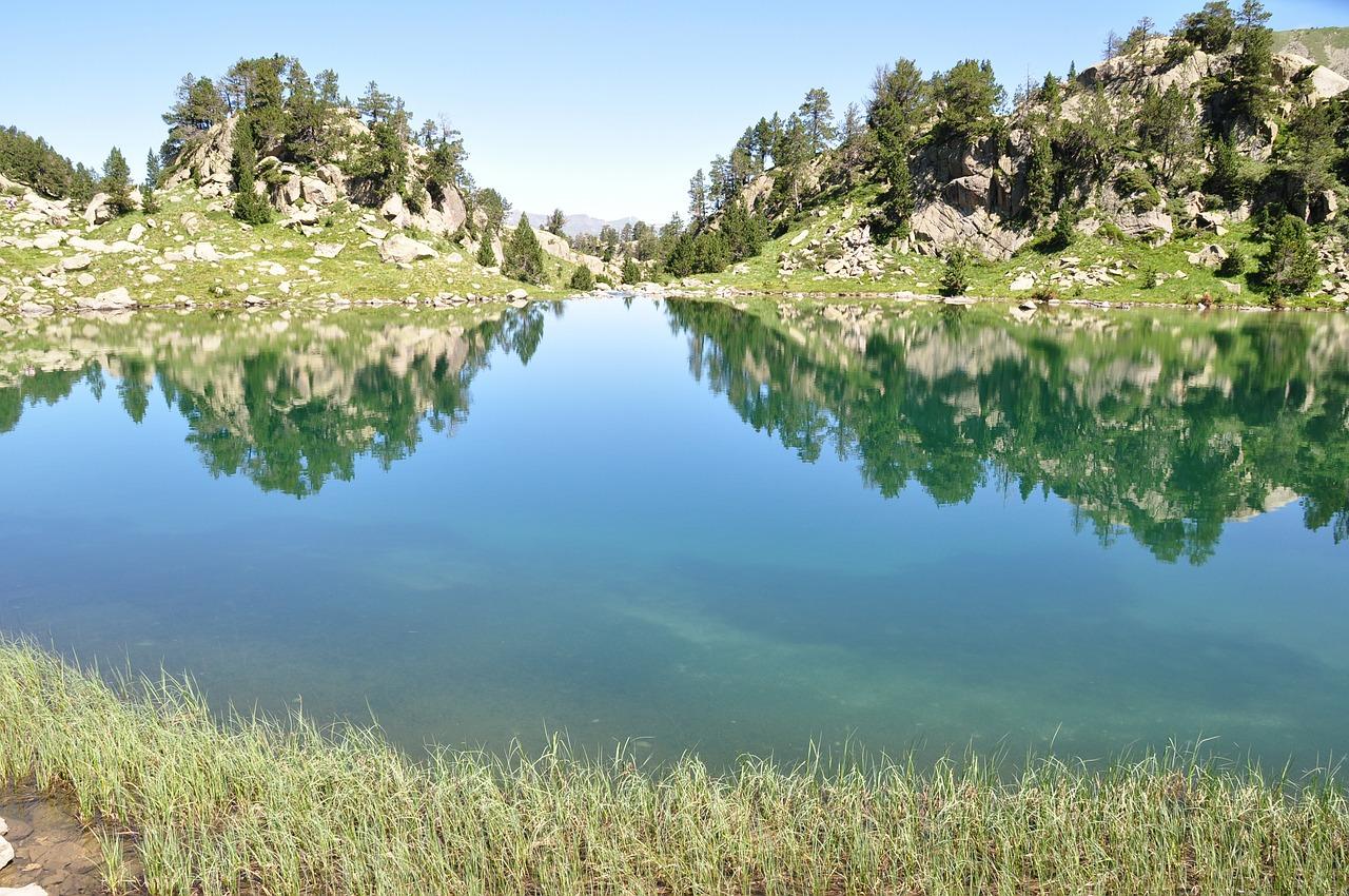 lake-399802_1280.jpg